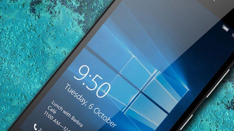 В России официально стартовали продажи главных смартфонов Microsoft Lumia 950 и 950 XL